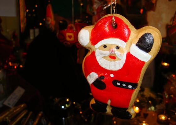 Freundlicher Lebkuchen-Weihnachtsmann
