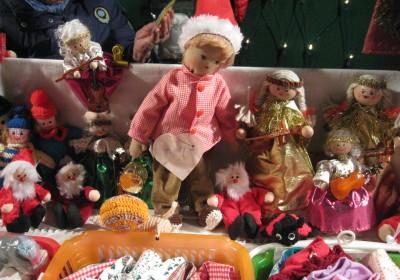 Handpuppen liebevoll genäht auf der Altstadtweihnacht Fürth.