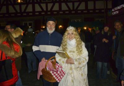Das Christkind besucht die Altstadtweihnacht Fürth