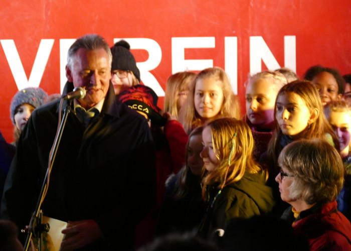 Oberbürgermeister Dr. Thomas Jung eröffnet die Fürther Altstadtweihnacht.