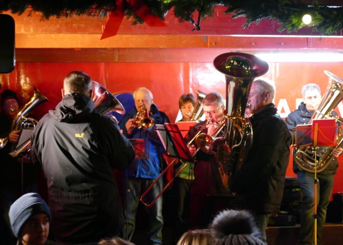 Der Posaunenchors Vach spielt gerne auf der Fürther Altstadtweihnacht.