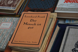 Fehlt noch ein Buch im Regal?