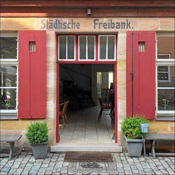 Hereinspaziert: Die Tür unserer Freibank wird weit geöffnet sein! (Foto: Ralph Stenzel)